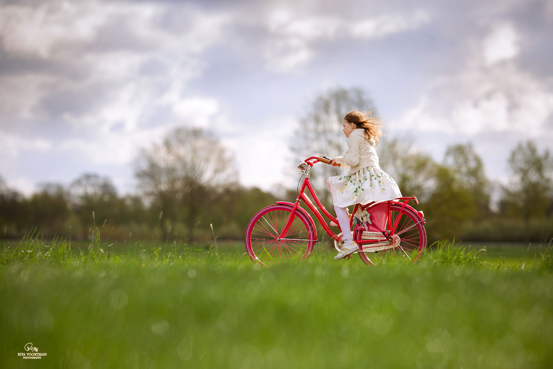 02 bicycle-in-holland-2-by-ritavoortmanphotography